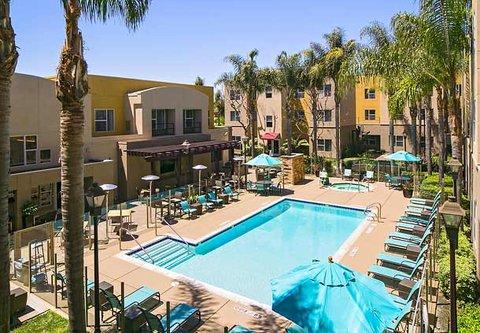 Residence Inn by Marriott Carlsbad - Outdoor Pool Deck