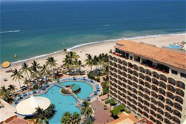 Holiday Inn Puerto Vallarta 外観