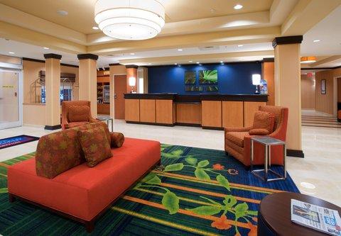 Fairfield Inn & Suites Albany - Front Desk