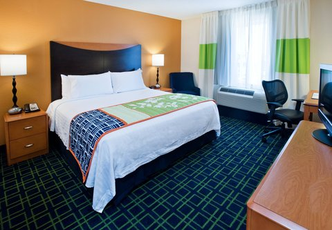 Fairfield Inn & Suites Albany - King Guest Room