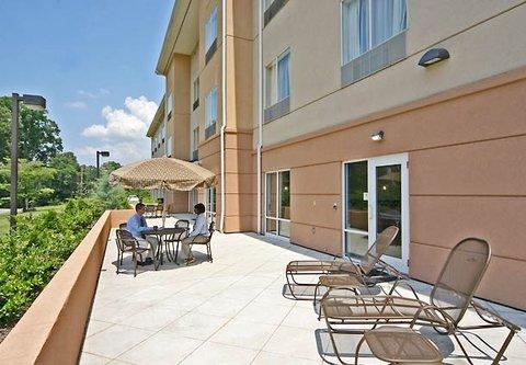 Fairfield Inn & Suites Birmingham Fultondale/I-65 - Sundeck Patio