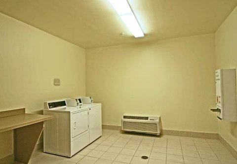 Fairfield Inn & Suites Birmingham Fultondale/I-65 - Guest Laundry