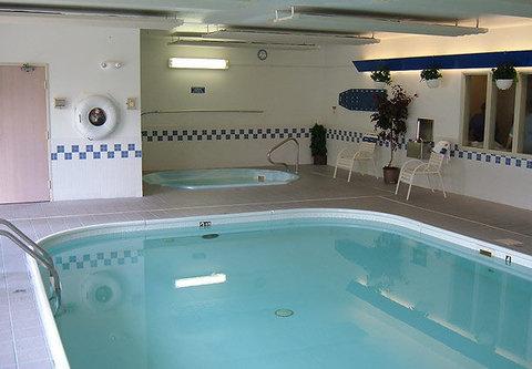 Fairfield Inn & Suites Billings - Indoor Pool   Hot Tub
