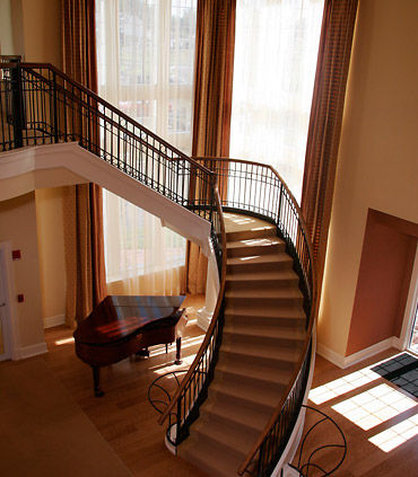 SpringHill Suites by Marriott Boston Devens Common Center - Grand Staircase