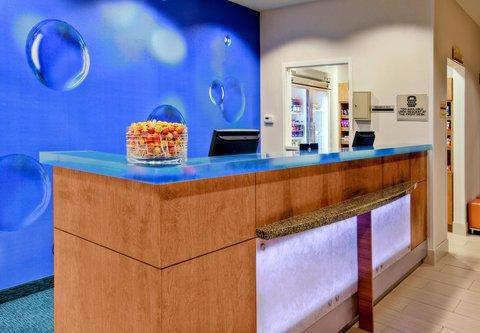 SpringHill Suites Baton Rouge North/Airport - Front Desk