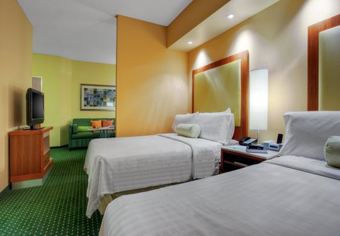 SpringHill Suites Baton Rouge North/Airport - Double Double Suite Sleeping Area