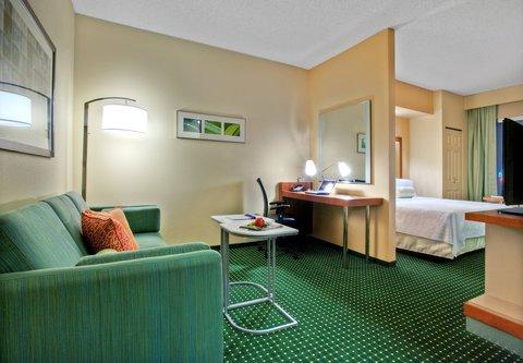 SpringHill Suites Baton Rouge North/Airport - Suite Living Area