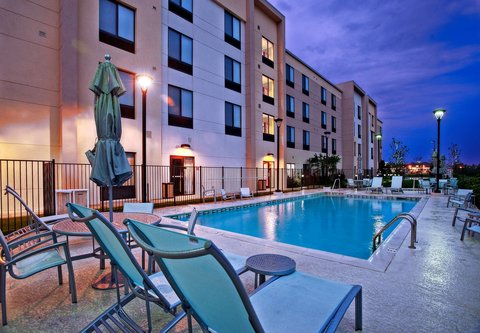 SpringHill Suites Baton Rouge North/Airport - Outdoor Pool