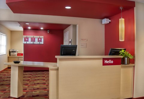 Towneplace Suites By Marriott Baton Rouge Hotel - Front Desk