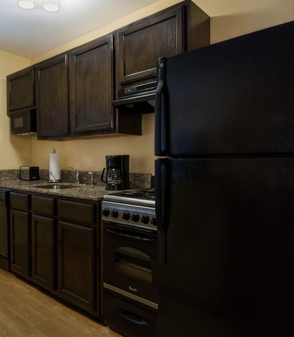 Towneplace Suites By Marriott Baton Rouge Hotel - Two-Bedroom Suite Kitchen