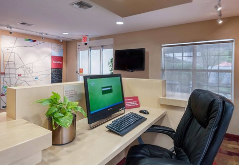 Towneplace Suites By Marriott Baton Rouge Hotel - Business Center
