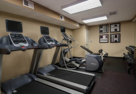 Towneplace Suites By Marriott Baton Rouge Hotel - Fitness Center