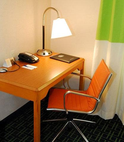 Fairfield Inn & Suites White Marsh - Guest Room Work Desk