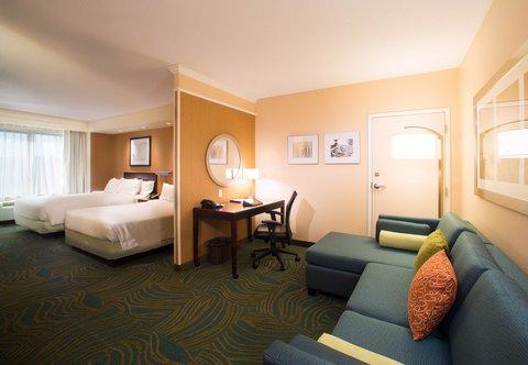 SpringHill Suites Annapolis - Queen Queen Studio Suite Living Area