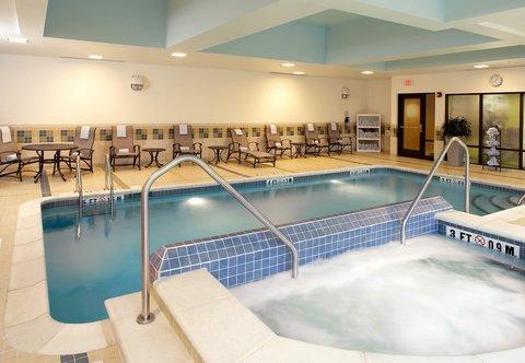 Fairfield Inn & Suites Cumberland - Indoor Pool   Spa