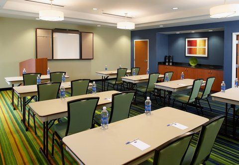 Fairfield Inn & Suites Cumberland - Meeting Room