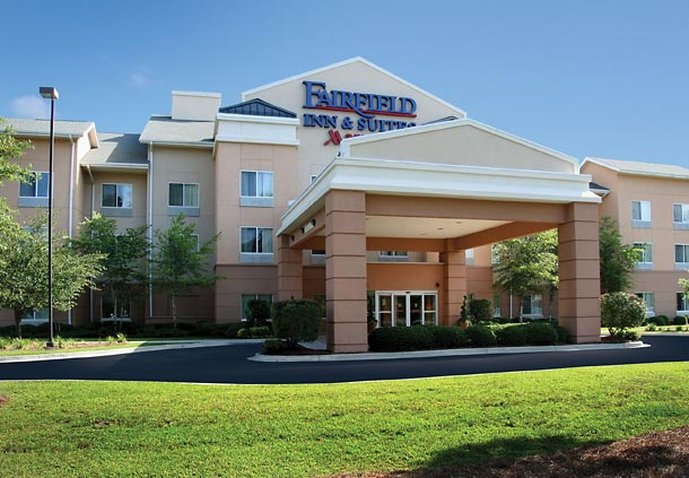 Fairfield Inn & Suites By Marriott Charleston North/Universi