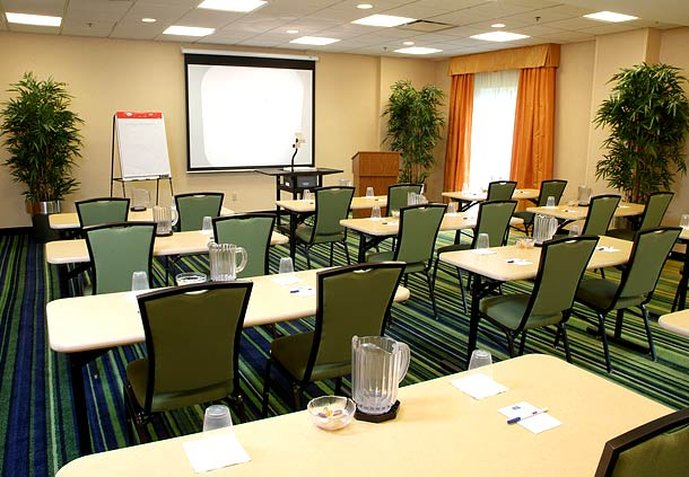 Fairfield Inn & Suites Columbus / OSU Sala de conferências