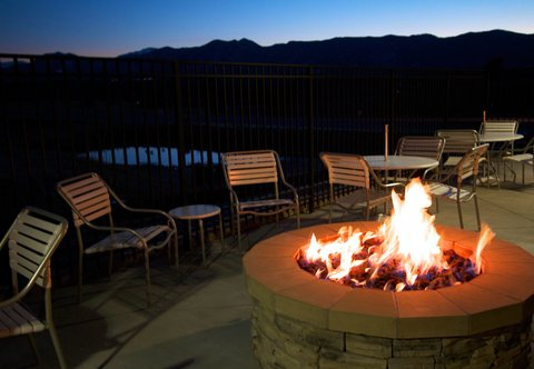 Fairfield Inn & Suites Colorado Springs North/Air Force Academy - Patio Fire Pit