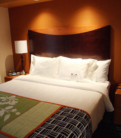 Fairfield Inn & Suites Colorado Springs North/Air Force Academy - King Guest Room