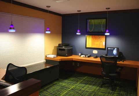Fairfield Inn & Suites Colorado Springs North/Air Force Academy - Business Library