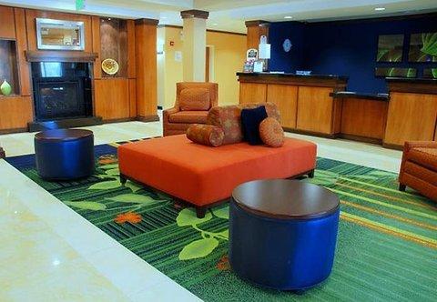 Fairfield Inn & Suites by Marriott Columbia - Main Lobby Seating Area