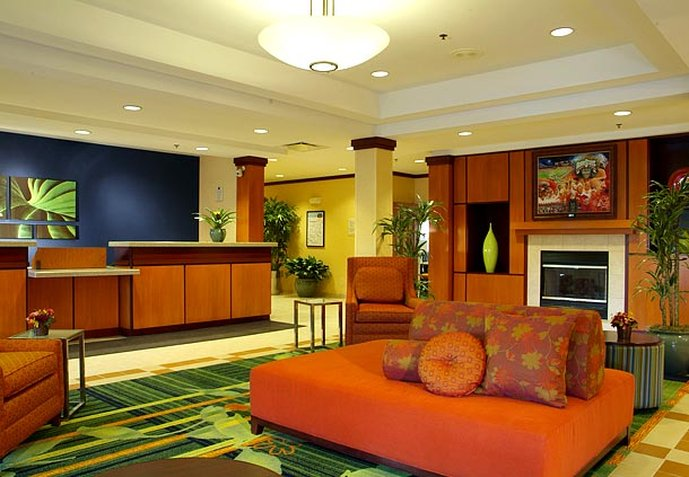 Fairfield Inn & Suites Columbus / OSU Lobby