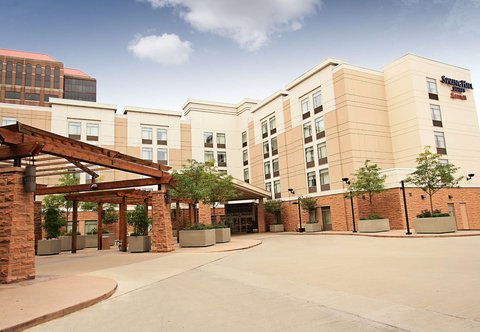 SpringHill Suites Cincinnati Midtown - Entrance