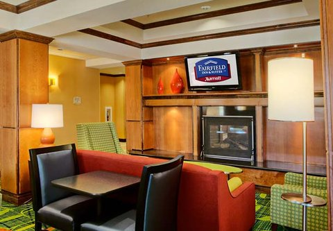 Fairfield Inn & Suites Dallas Mansfield - Fireplace Seating