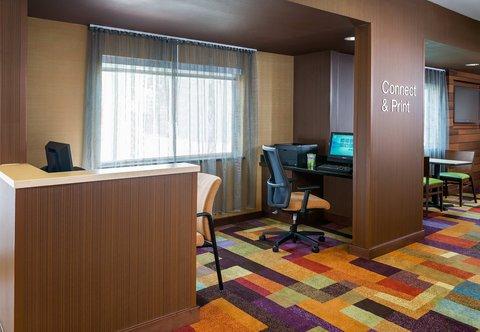 Fairfield Inn & Suites Dallas Park Central - Business Center