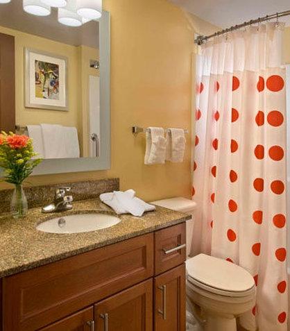 TownePlace Suites by Marriott Denver SE - Suite Bathroom