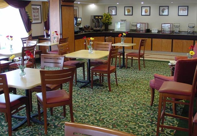 Fairfield Inn Detroit Troy/Madison Heights 餐饮设施