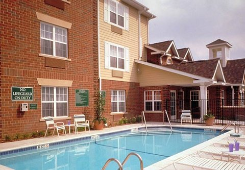 TownePlace Suites Detroit Dearborn - Outdoor Pool