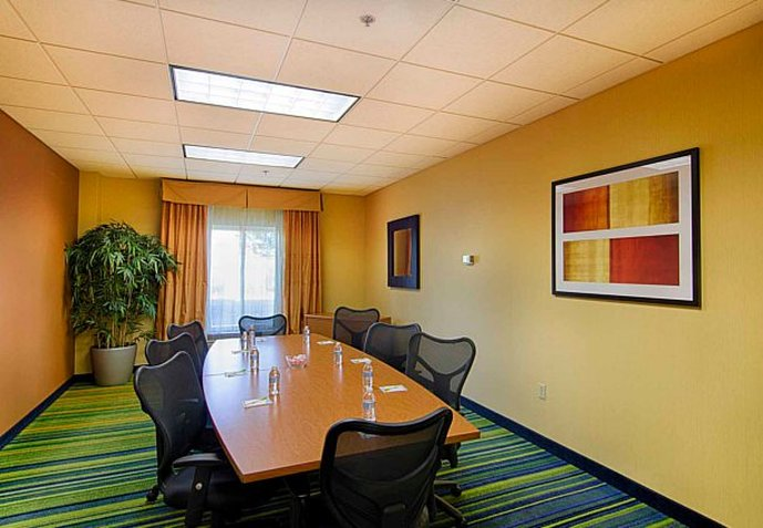 Fairfield Inn and Suites by Marriott Newark Liberty International Airport Konferensrum