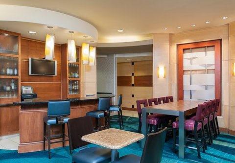 Springhill Suites Grand Rapids Airport Southeast Hotel - Lobby Lounge Bar