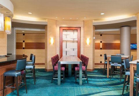 Springhill Suites Grand Rapids Airport Southeast Hotel - Lobby Lounge