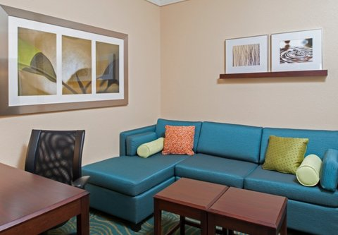 Springhill Suites Grand Rapids Airport Southeast Hotel - Suite - Seating Area