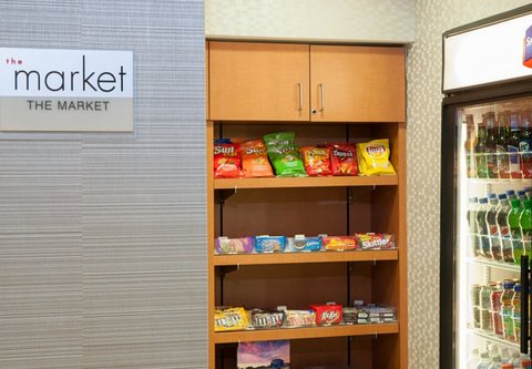 Springhill Suites Grand Rapids Airport Southeast Hotel - The Market