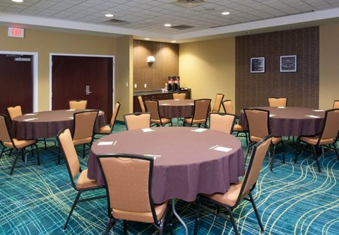 Springhill Suites Grand Rapids Airport Southeast Hotel - Meeting Room   Banquet Setup
