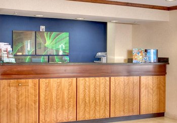 Fairfield Inn & Suites by Marriott - Lobby