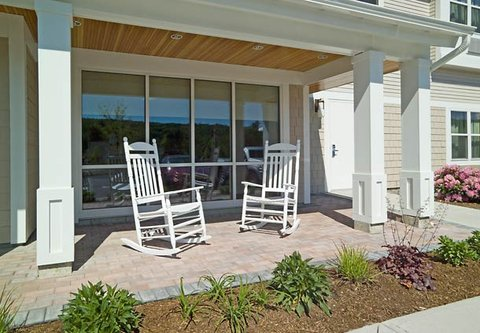 TownePlace Suites by Marriott Gilford - Outdoor Porch
