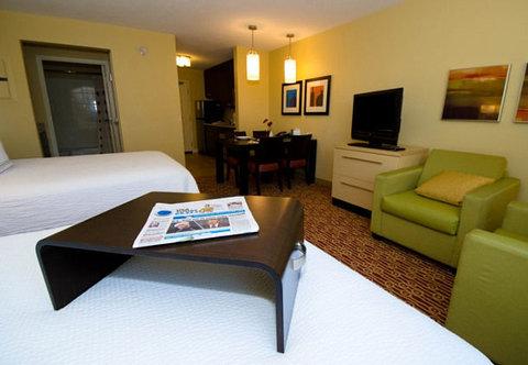TownePlace Suites by Marriott Gilford - Queen Queen Studio Suite