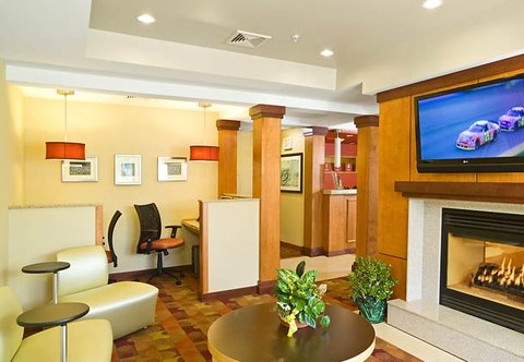 TownePlace Suites by Marriott Gilford - Business Center