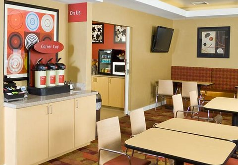 TownePlace Suites by Marriott Gilford - On Us Coffee