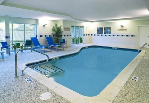 TownePlace Suites by Marriott Gilford - Indoor Pool