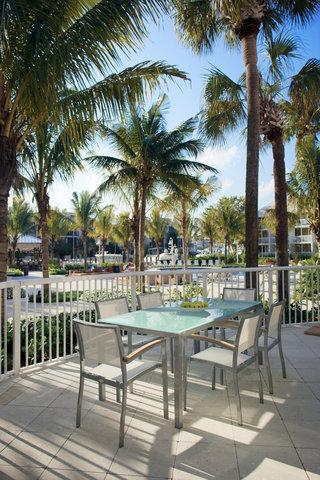هيلتون فورت لودرديل مارينا - SIG Orlando Terrace Dining Shelby 0308
