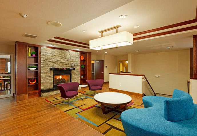 Fairfield Inn and Suites by Marriott Lake Oswego Lobby