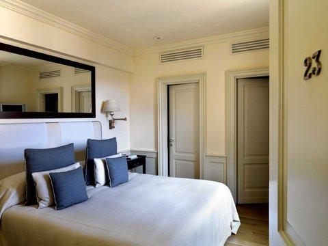 J.K.Place Hotel - Superior Room