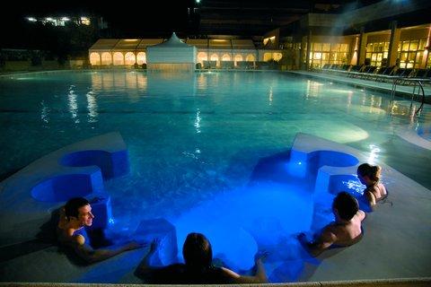Grotta Giusti Resort Golf Spa - Thermal Pool By Night