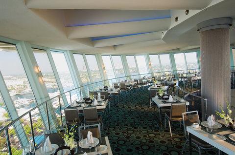 Hyatt Regency Pier Sixty-Six - Pier Top  S  Beaudet